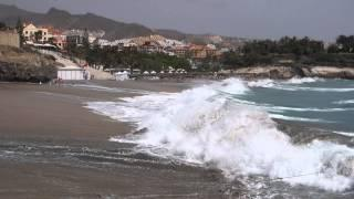 Waves on the beach Fanabe. Tenerife. Волны на пляже Fanabe. Тенерифе